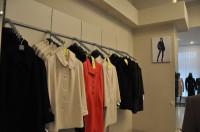 Пальто. Магазин женской одежды Лавис в Чернигове.